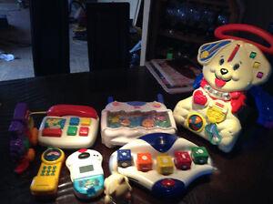 Marchette, differents jouets, jeu de societe, tableau 1 cote cra