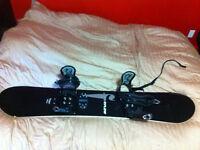Kit planche à neige (snowboard): planche, fixes, bottes, casque