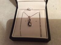 9 ct gold real diamond black and white diamond pendant and chain
