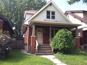 Brick 1-1/2 Story 2-3 Bedrooms FOR LEASE