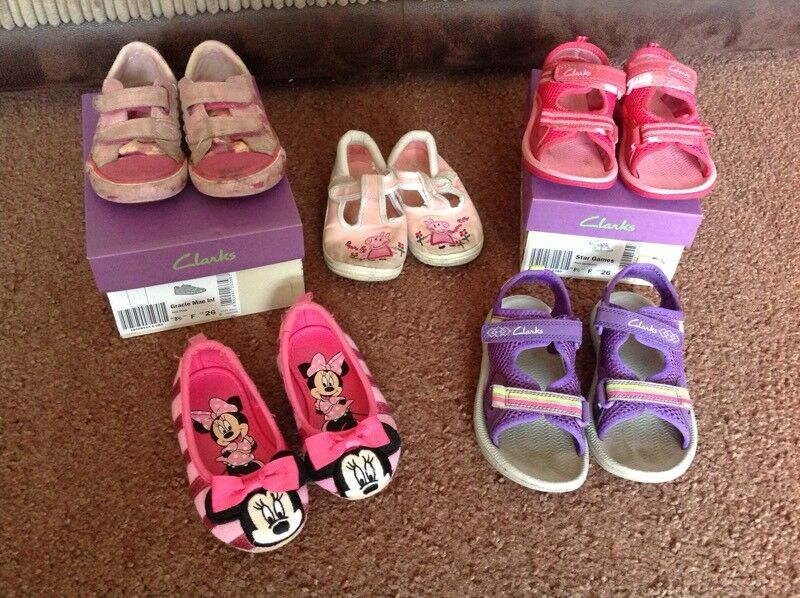 Girls shoes Minnie Mouse 7, Peppa Pig 8, clarks sandals 8.5F 9.5F, canvas 8.5