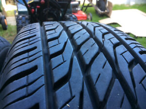 3 pneu sur jante toyo  extensa comme neuf 205/70/15