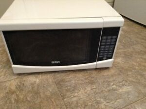 RCA 0.9 cu. ft. Microwave Oven for sale