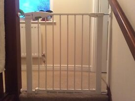 Lindam stair gate with a steel frame