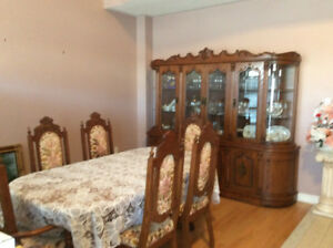 Dinning room set  table and critenza