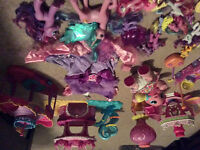 Box my little ponies/play sets