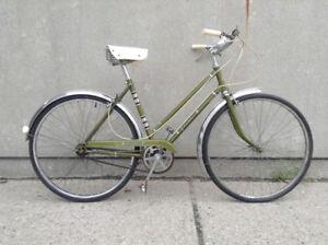 Glider - Vintage 3 speed Cruiser Bike - small/medium