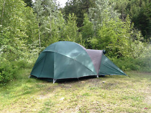 2015 Cabelas Alaskan 8 Person Guide Tent (Like New) $800 OBO