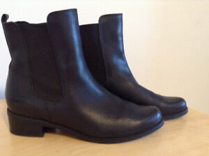 Blondo Women's Black Leather Ankle Boots – Size 9 – Almost New