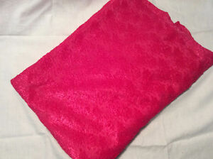 Loose Fabric- Pink lace like 1.5 m long