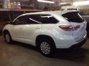 2014 Toyota Highlander LE with upgrade package SUV, Crossover