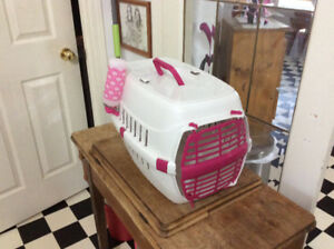 Small pet carrier with water bottle for sale. Make offer.