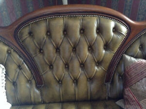 Exquisite ,real eye catching green leather couch w 2 huge chairs
