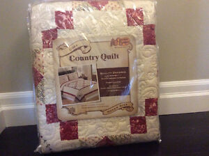 Queen Size Cracker Barrel Quilt - New in packaging never used