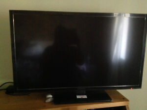 Insignia LED flat screen 32in TV - less than a year old!
