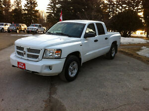 2011 DODGE DAKOTA SXT CREW CAB 4x4 APRIL SALE