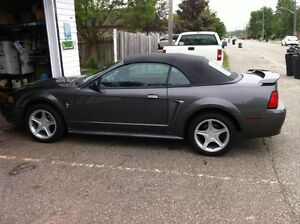 2003 Ford Mustang loaded Convertible V6 with Safety/ETest