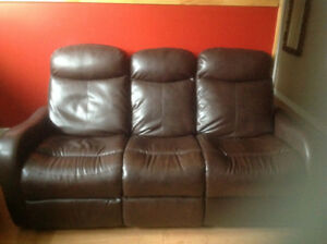 Sofa 3 places en cuir (brun bourgogne) avec 2 places inclinables