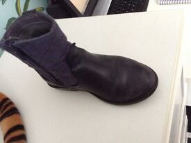 Boots clarks girls size 9 leather