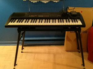 Piano digital KAWAI digital keyboard // +support/+stand