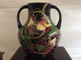 Very Large Moorcroft Queens choice vase