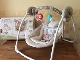 URGENT! Baby swing Comfort Harmony £20 ono