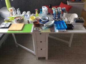 Lot de vaisselle (divers objets)