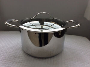"EARTHchef  ""BOREAL"" Stock Pot  / Dutch Oven (New / Never Used)"