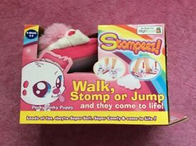 Stompeez puppy slippers size small 7-9 'brand new'