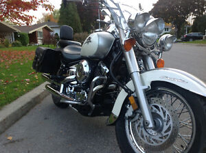 Low mileage Yamaha Vstar 650 loaded with extras