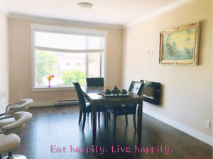 One floor Private bedroom for rent in a new townhouse, $600