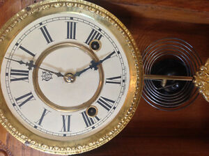 Antique Waterbury Oak Gingerbread clock