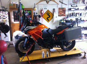 MOTORCYCLE LUGGAGE (DIRTBAGGS)