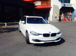 2013 BMW  328i xDrive Berline.  LOCATION