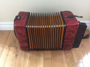 Hohner Erica button accordion, AD. St. John's Newfoundland image 8