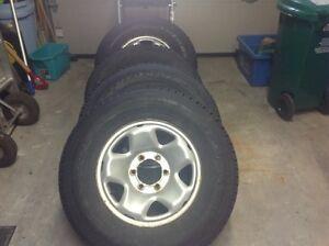 Tires on Rims / Pneus sur rims