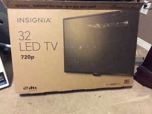 "32"" Insignia LED TV for sale"
