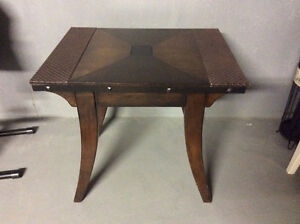 Side / accent table