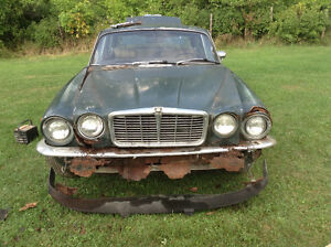 Parting out 1976 Jaguar Cornwall Ontario image 2