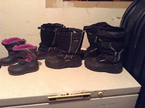 Girls winter boots size7 boys 2&3 4$ each pair