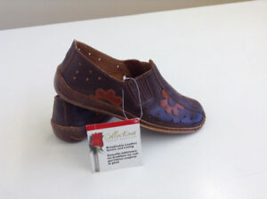 100% Genuine Leather Tender Tootsie Shoes – Size 9 – BRAND NEW