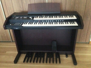 Roland AT 15 electronic organ