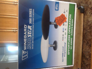 RV Windgard Roadstar 3000 series omnidirectional TV antenna