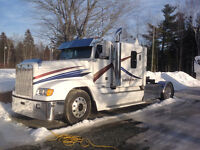 Freightliner FLD120 single Axel RV Hauler