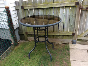 Stand Up Patio Table Bar 3 ft. Diameter, 3 ft. High