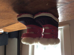Size 8 girls winter boots