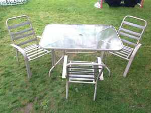 """SET: PATIO GLAS TOP TABLE 54"""" x 36"""" AND 4 CHAIRS"""