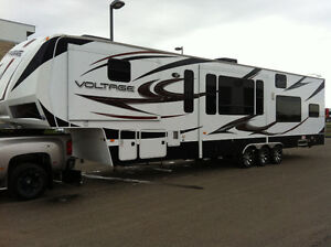2012 voltage 3905 toyhauler toy hauler