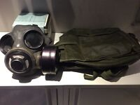 Military style gas mask with shoulder carrying case
