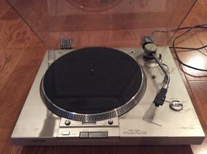 SONY PS-T60 TURNTABLE RECORD PLAYER